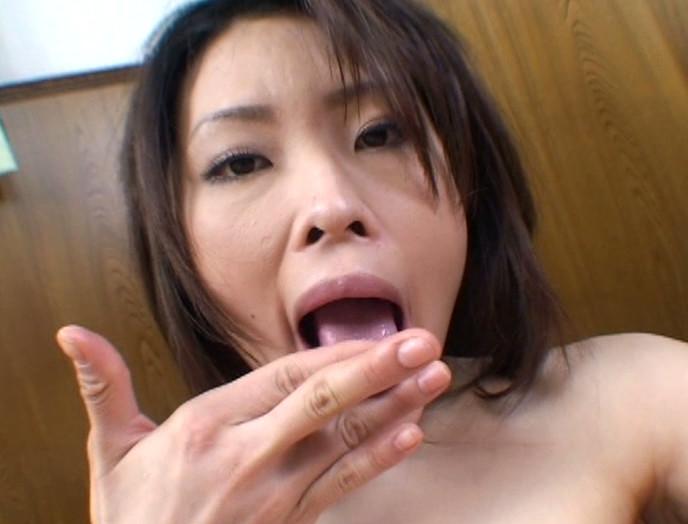 母乳マン汁垂れ流し本気でイキまくり!! 巨乳人妻自画撮りオナニー 画像11