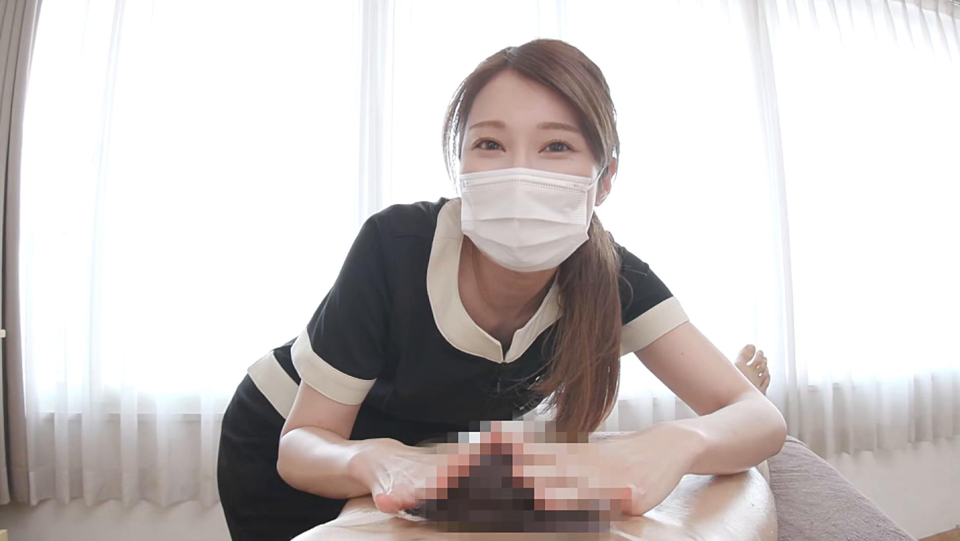 愛嬌溢れる美人エステティシャン由美香さんの初めてのチ〇ポ観察&身悶えるような手コキニックで即射2