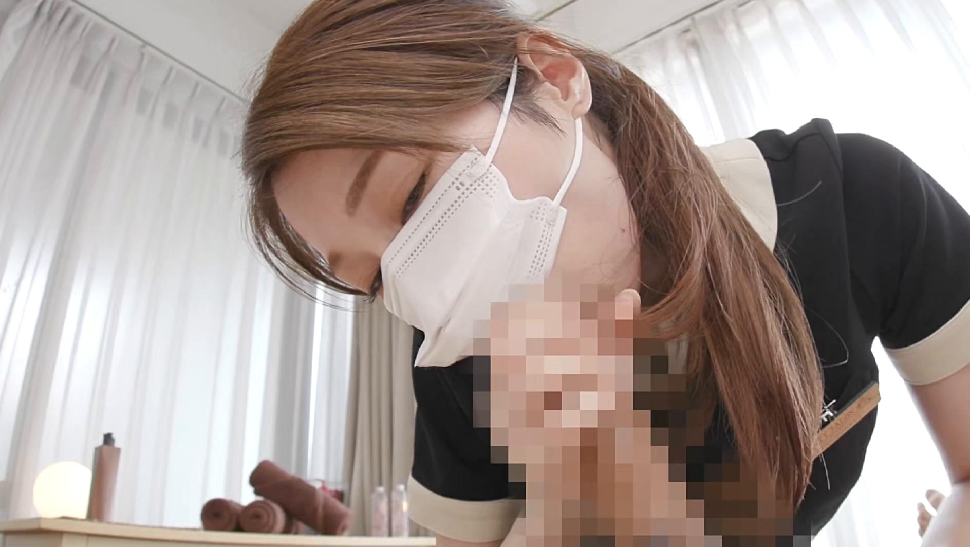 愛嬌溢れる美人エステティシャン由美香さんの初めてのチ〇ポ観察&身悶えるような手コキニックで即射4