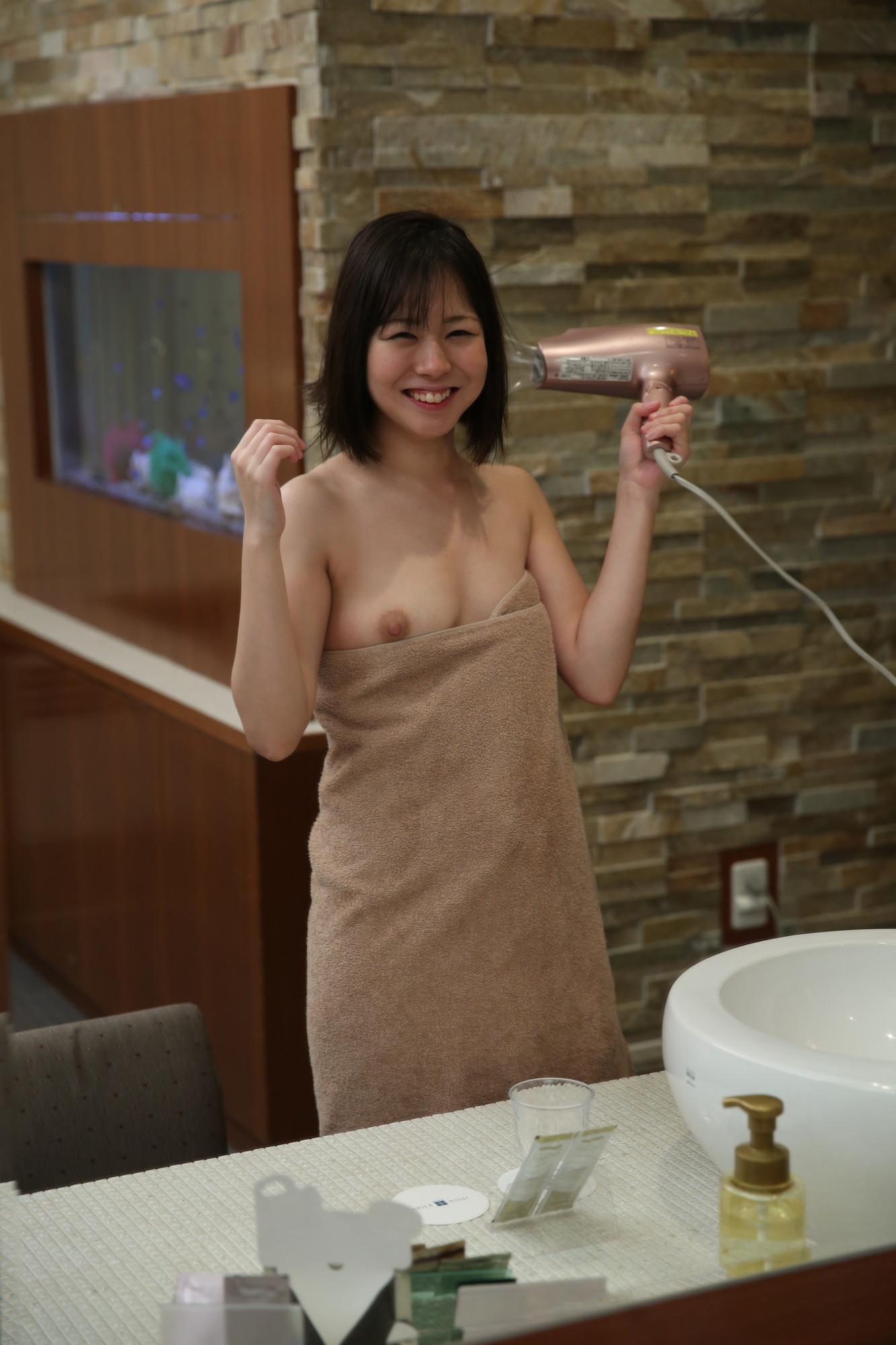 木曜日に出会った素人ちゃん 4 【顔出しセフレ・スレンダー・ハメ撮り・美乳・新卒OL】