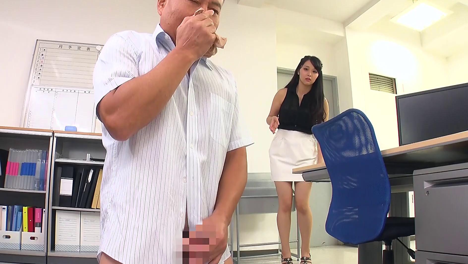 職場で足フェチがバレてしまい女性部下の脚奴隷として何度も射精させられる 画像13