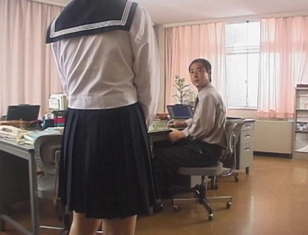 卒業 制服の中で彩づく蕾 カワイイ女子校生たちと美人女教師はヌレ溺れる! 画像5