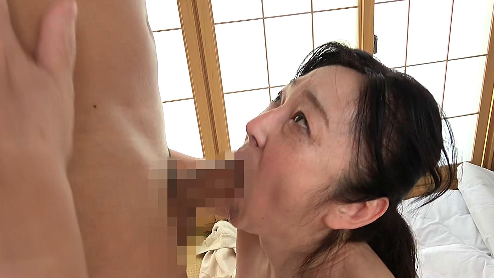 熟女官能ドラマスペシャル アナルで悶え乱れる五十路妻 陰部を視姦されて濡れる人妻 6人4時間 画像21