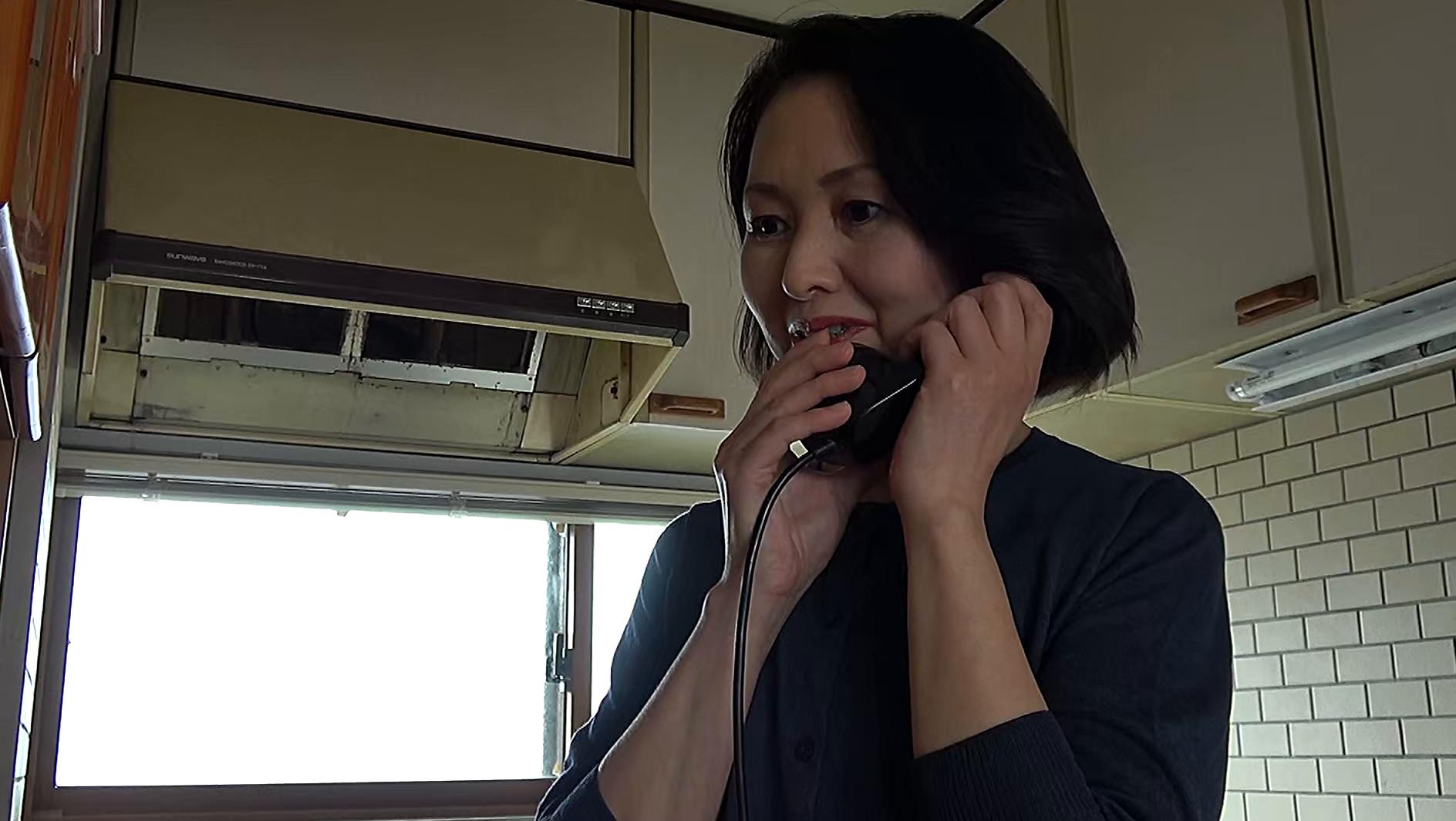 昭和猥褻官能ドラマ 明日、東京に引越しする憧れていた同級生を呼び出して・・・ 心優しい先生は教え子のお父さんに無理やり・・・ 画像1