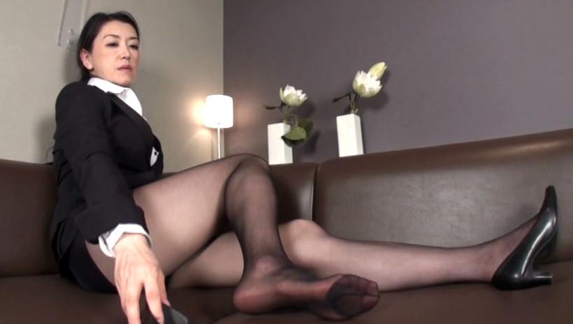 黒ストの似合う熟女4 52歳の地味なOL 画像1