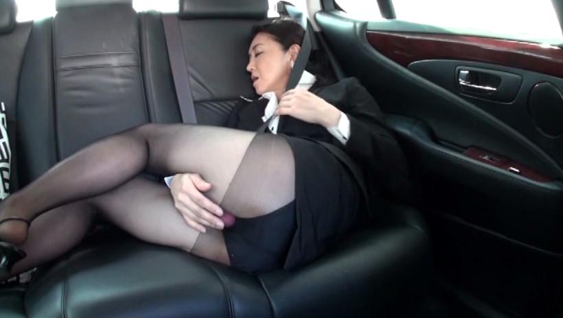 黒ストの似合う熟女4 52歳の地味なOL 画像10
