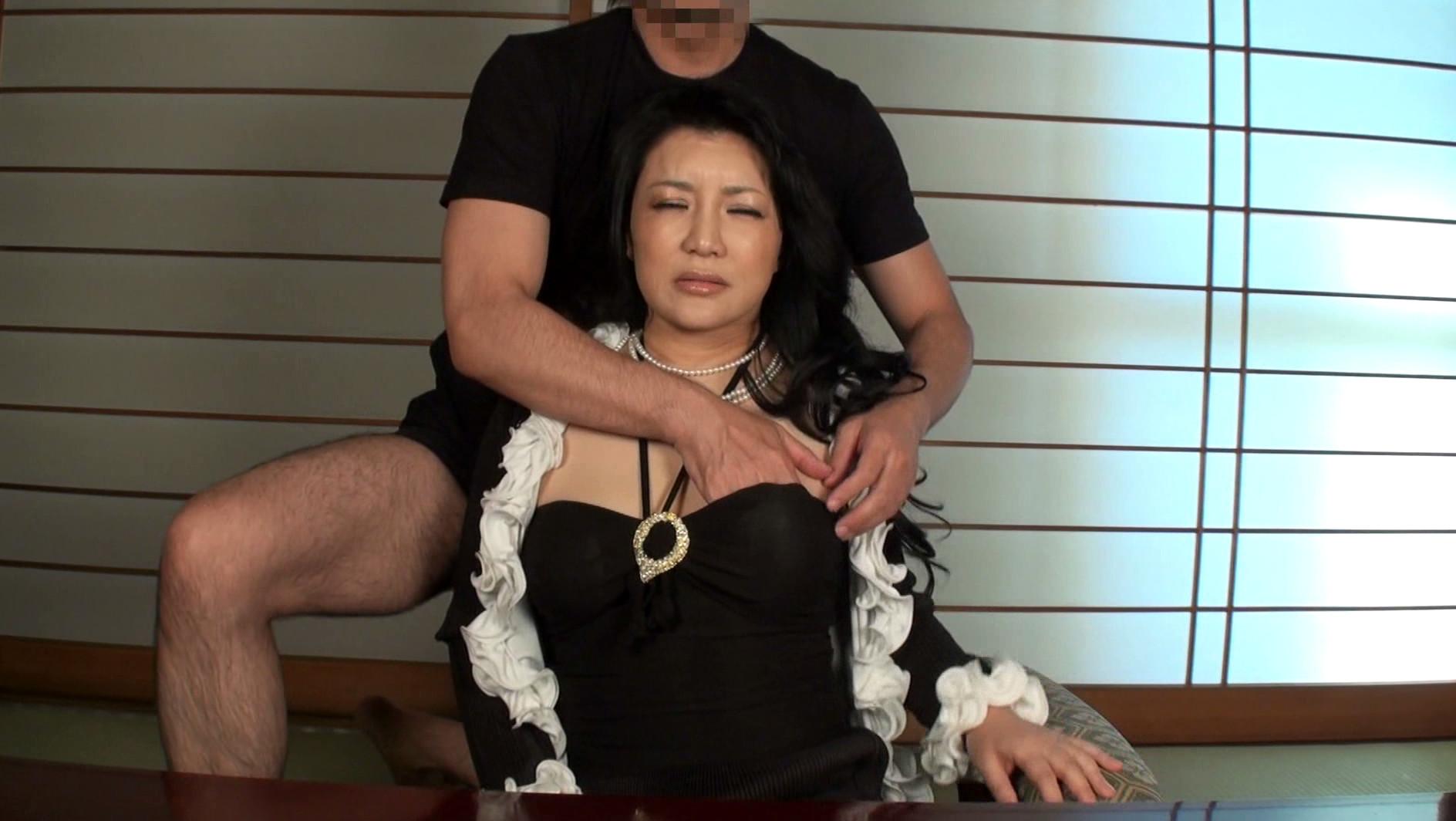 本物現役女社長 霧島ゆかり五十歳 首絞めでアクメに達する女 画像2