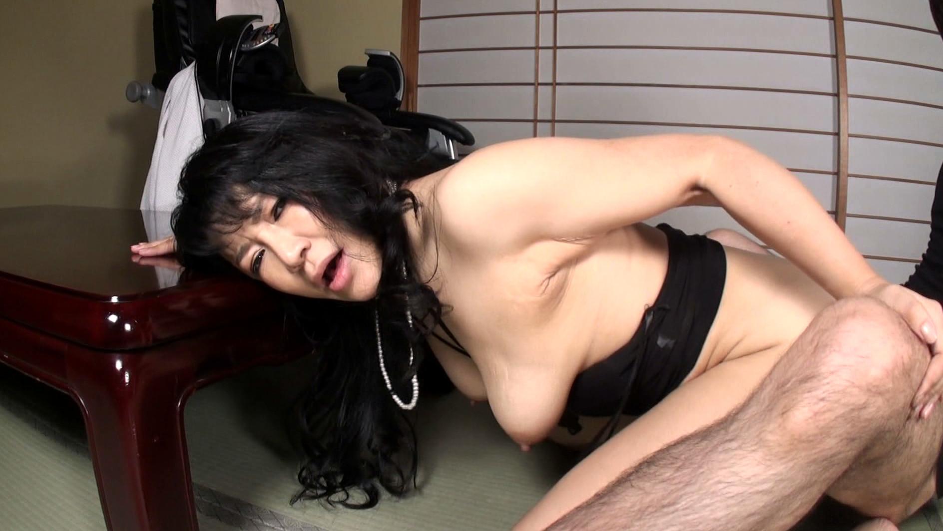 本物現役女社長 霧島ゆかり五十歳 首絞めでアクメに達する女 画像20