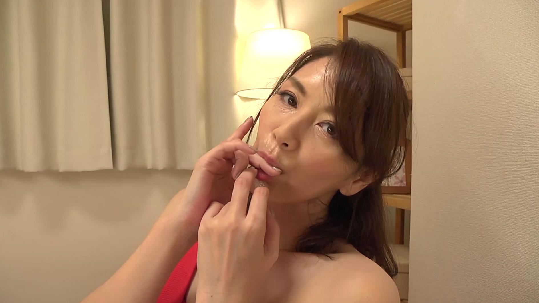 翔田千里【痴女な美魔女による最高の焦らし】 画像3