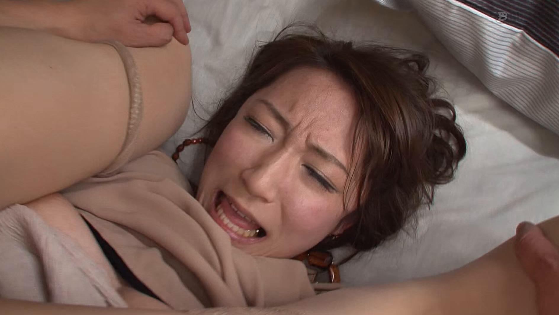 素人ガチナンパ巨乳妻 8時間 01
