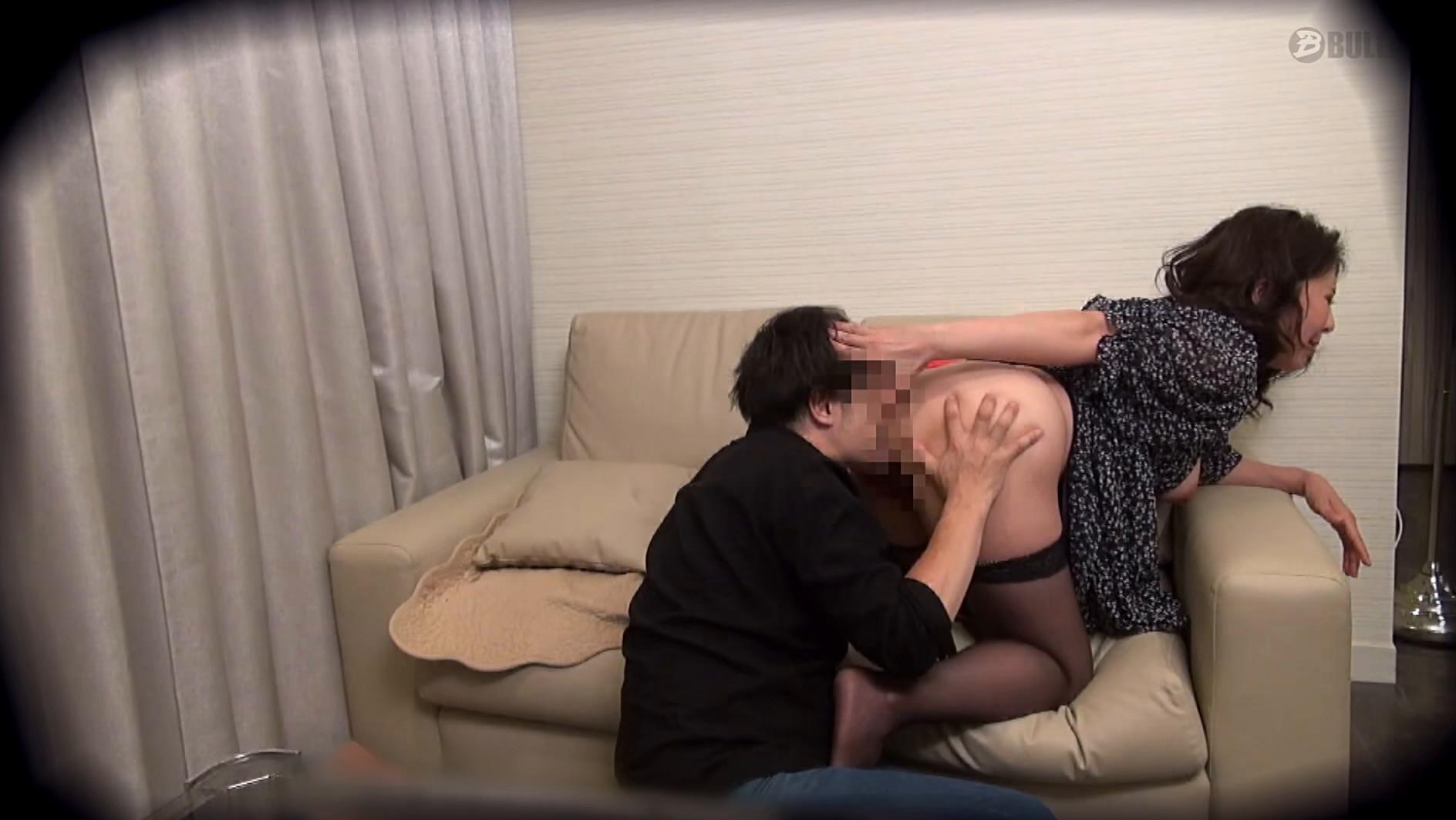 ラブホ盗撮 旦那以外の男のカラダを本気で求める人妻 7 画像19