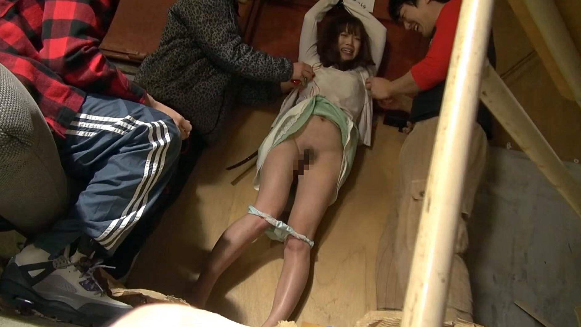 絶望アクメ熟女暴姦 見知らぬ男に強引に汚された巨乳 12人4時間3
