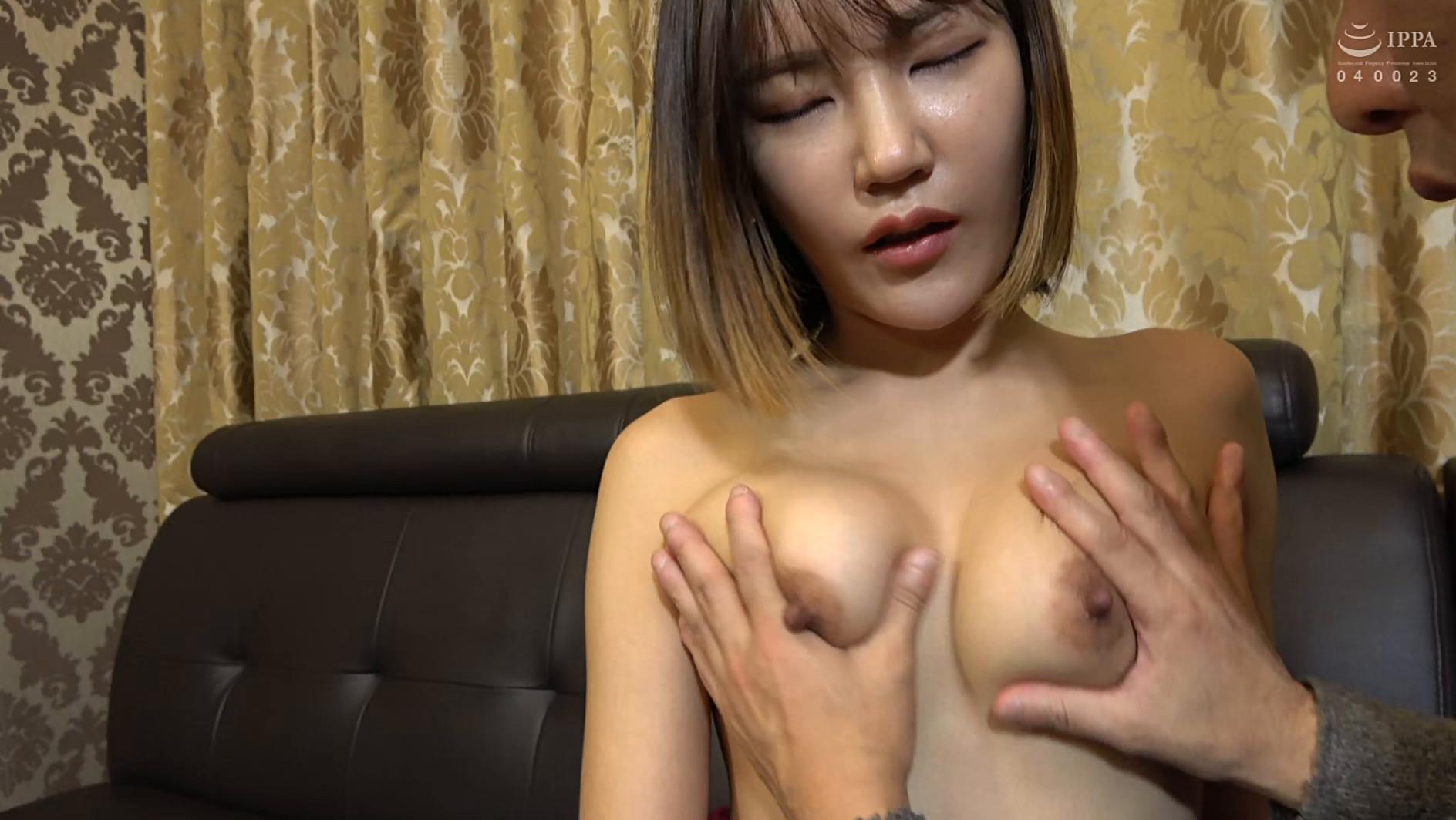まるで設定6のスロットみたい!韓国で遭遇したヤリマン美女!セックスが好き過ぎて日本人のペニスに興味津々!圧倒的な美脚騎乗位でザー汁を絞り出されてスッキリ! 画像2
