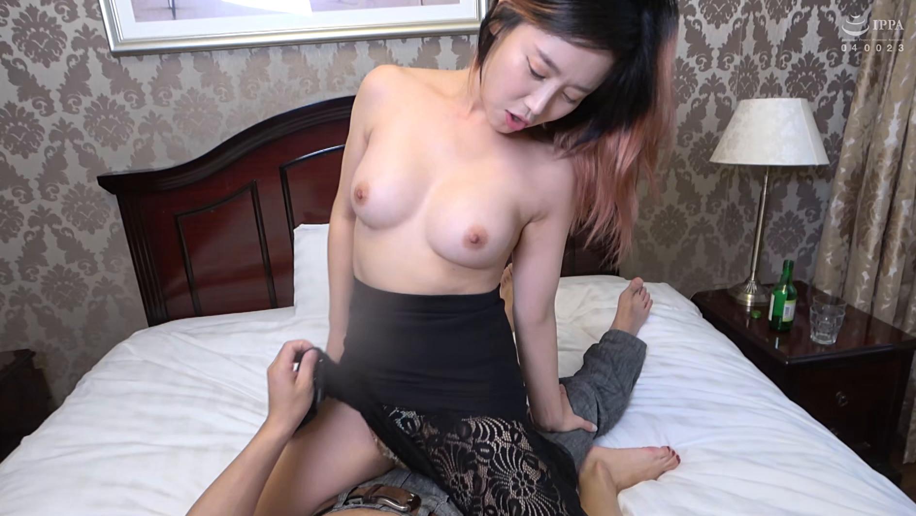 まるで設定6のスロットみたい!韓国で遭遇したヤリマン美女!セックスが好き過ぎて日本人のペニスに興味津々!圧倒的な美脚騎乗位でザー汁を絞り出されてスッキリ! 画像17
