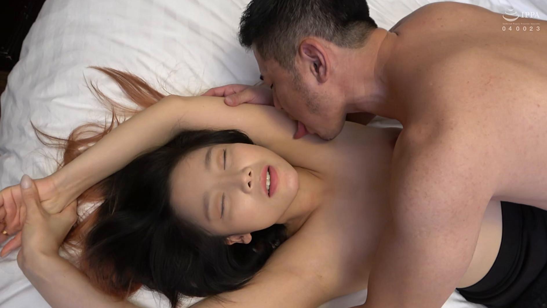 まるで設定6のスロットみたい!韓国で遭遇したヤリマン美女!セックスが好き過ぎて日本人のペニスに興味津々!圧倒的な美脚騎乗位でザー汁を絞り出されてスッキリ! 画像20