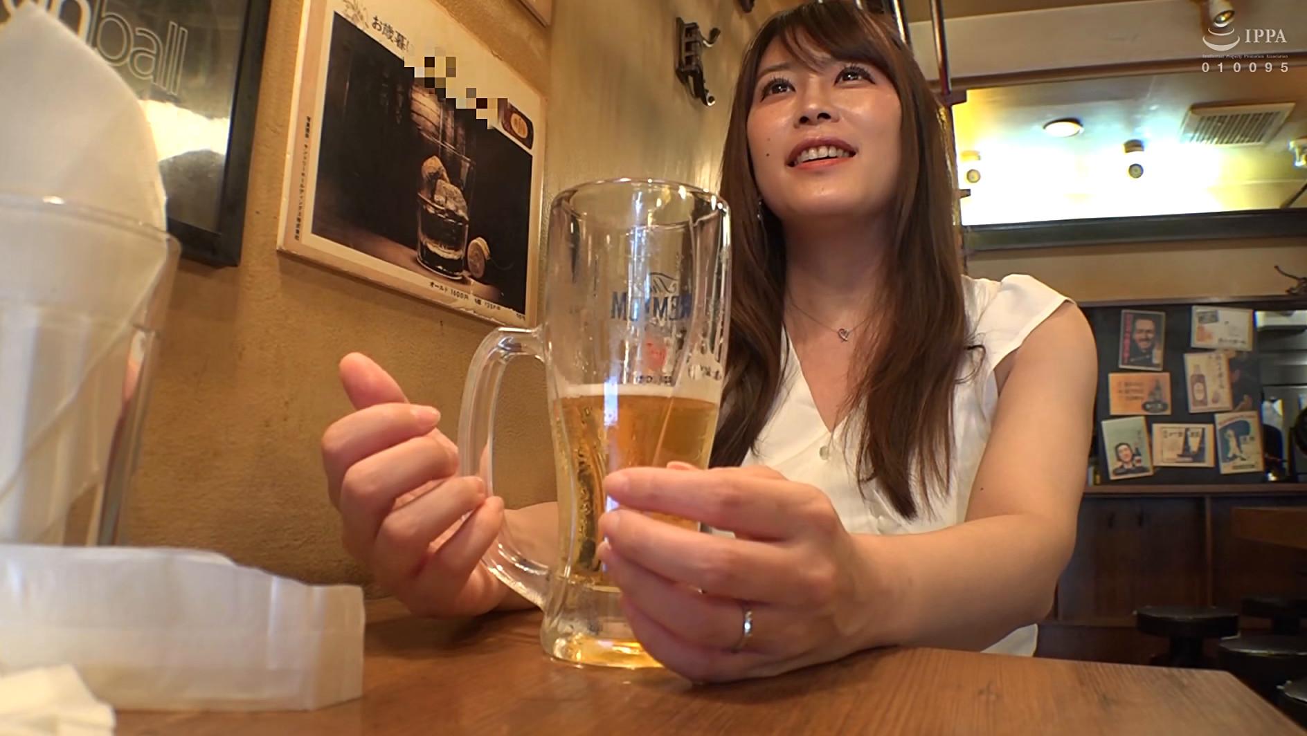 @新宿 地方の人妻限定 巨大バスターミナル前で訳アリ人妻をナンパしてみた 6 画像1