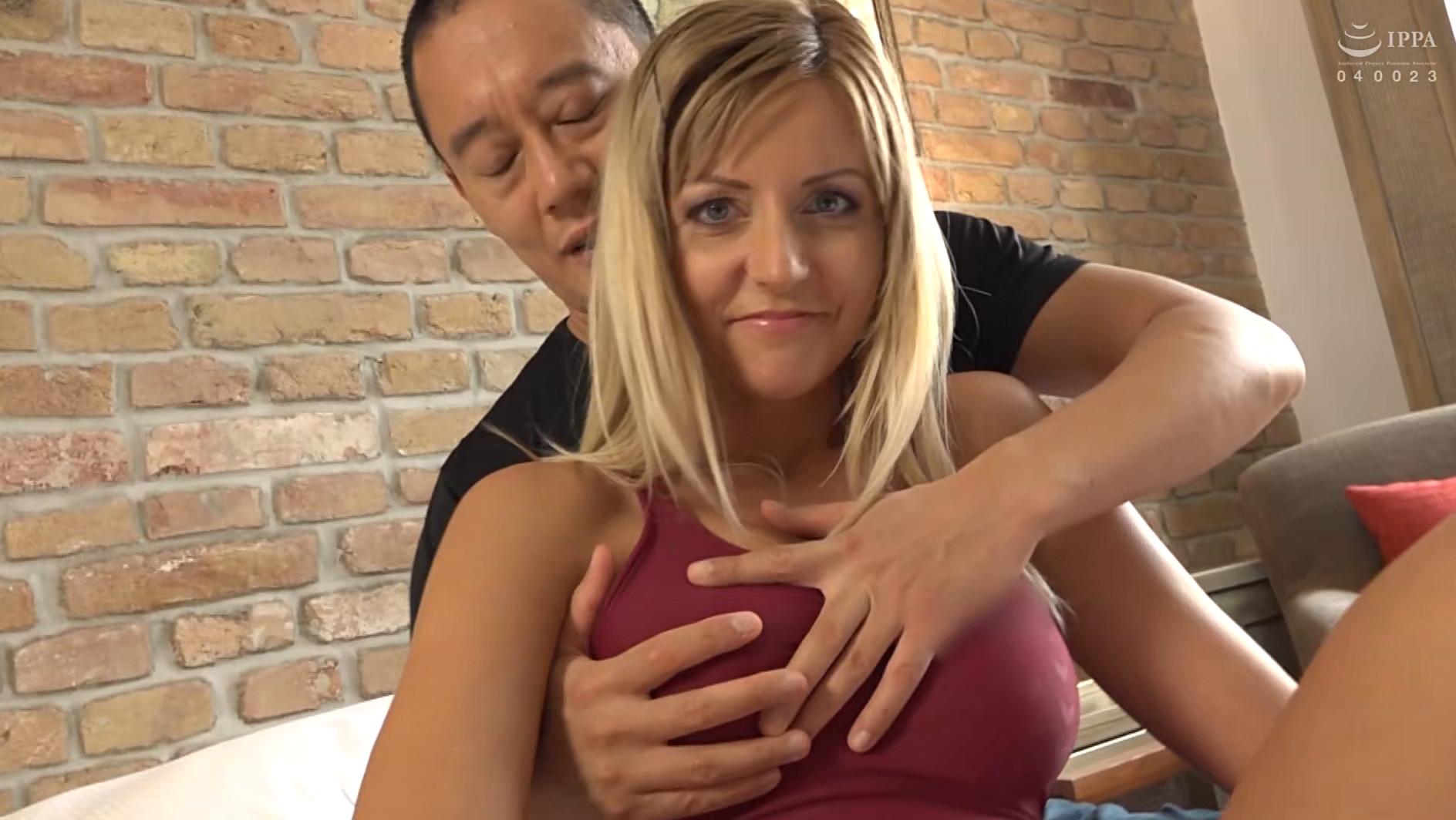 長身!美脚!ハンガリーで見つけたパツキン美女と水着でセックス! 画像2