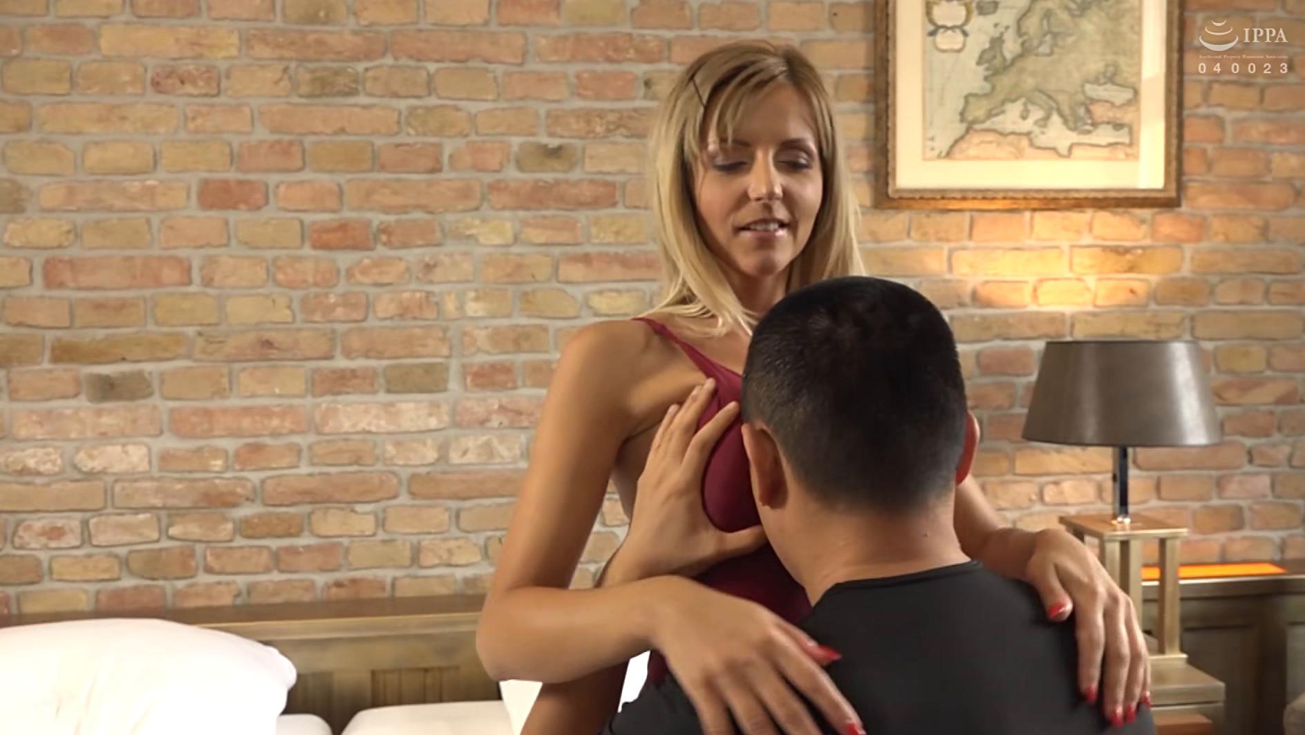 長身!美脚!ハンガリーで見つけたパツキン美女と水着でセックス! 画像6