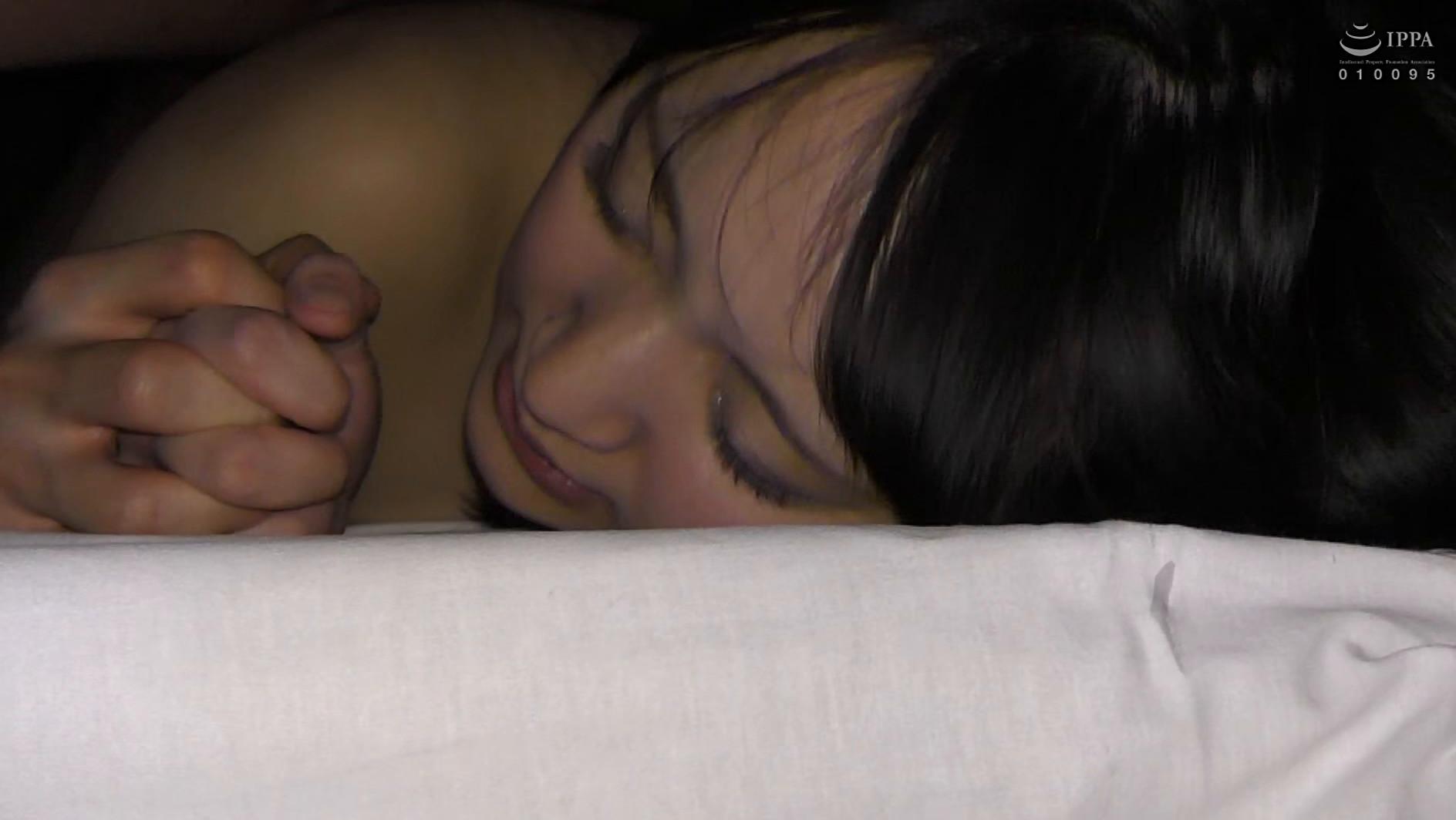 【衝撃リア凸・巨乳J○】合宿中の女子部屋 忍び込んでみたwwwついでにチ●コも凸してみた。【美巨乳少女と声我慢SEX】 画像17