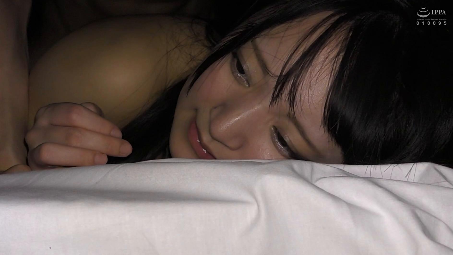 【衝撃リア凸・巨乳J○】合宿中の女子部屋 忍び込んでみたwwwついでにチ●コも凸してみた。【美巨乳少女と声我慢SEX】 画像18