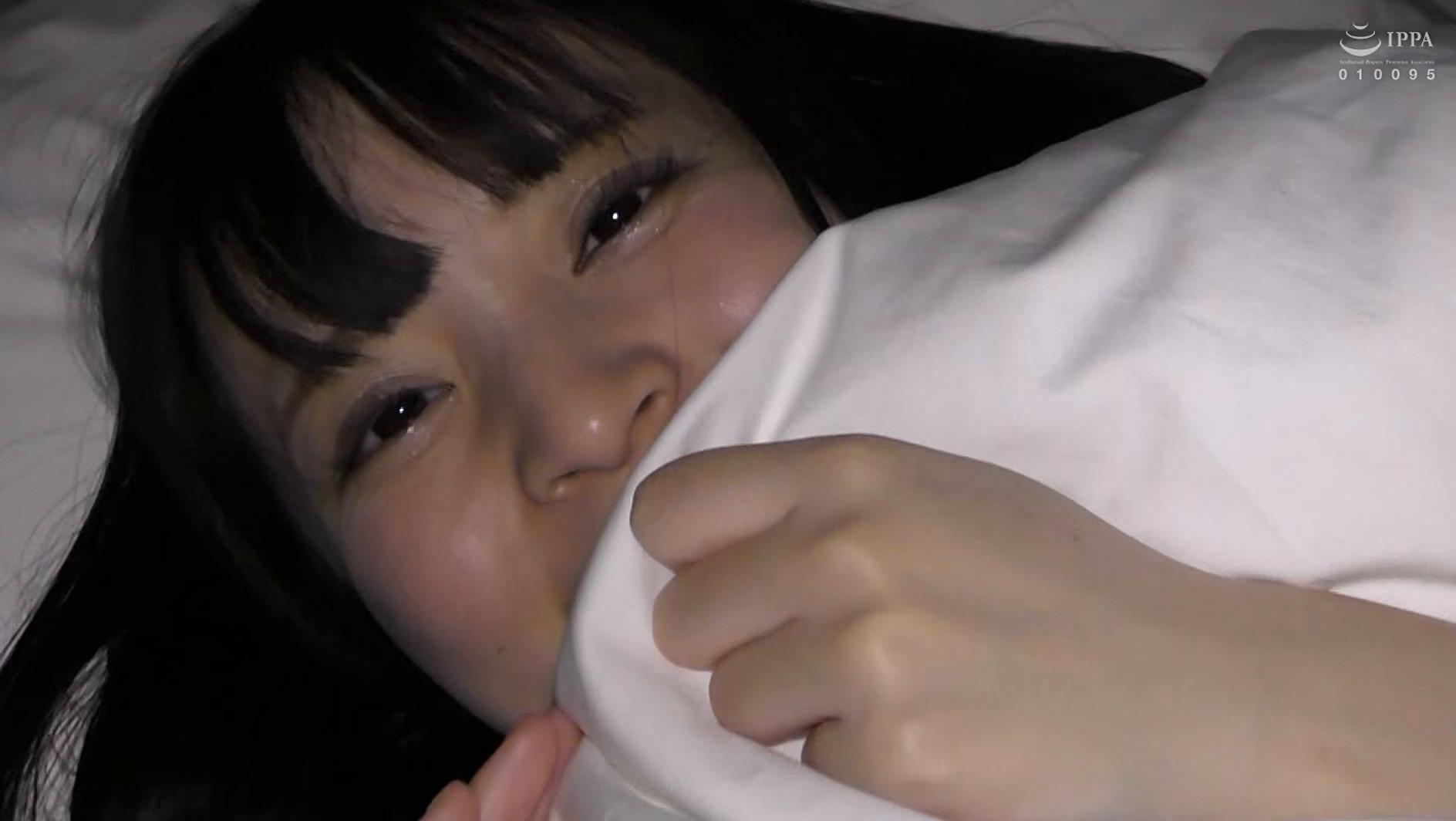 【衝撃リア凸・巨乳J○】合宿中の女子部屋 忍び込んでみたwwwついでにチ●コも凸してみた。【美巨乳少女と声我慢SEX】 画像20