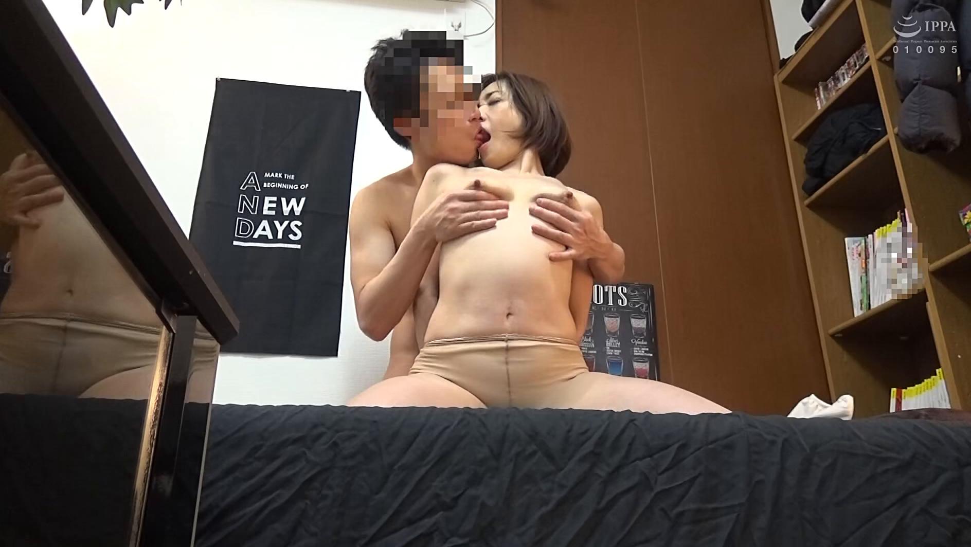 本気になるおばさん。久しぶりの本気SEXに溺れた嶋崎かすみさん(48歳)の場合 画像9