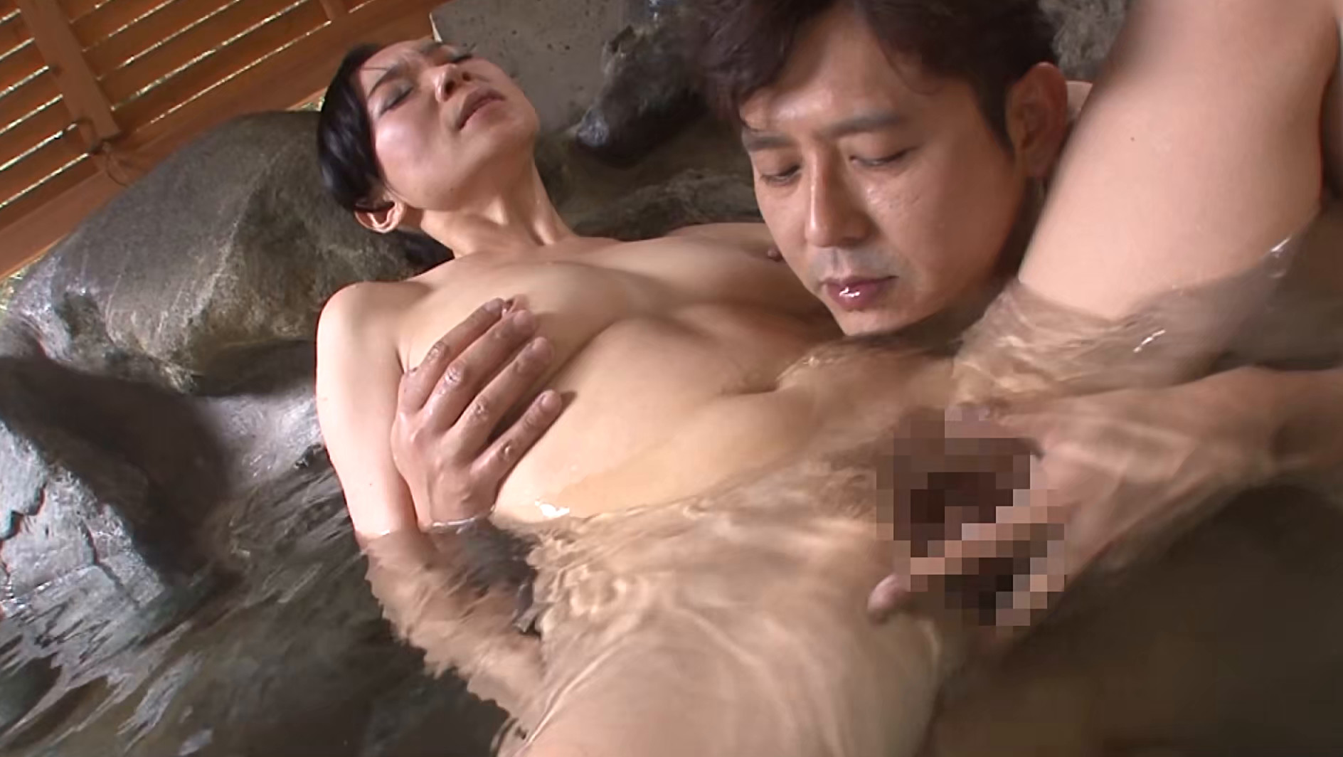 尚美(40歳)混浴でのぼせてしまい・・・