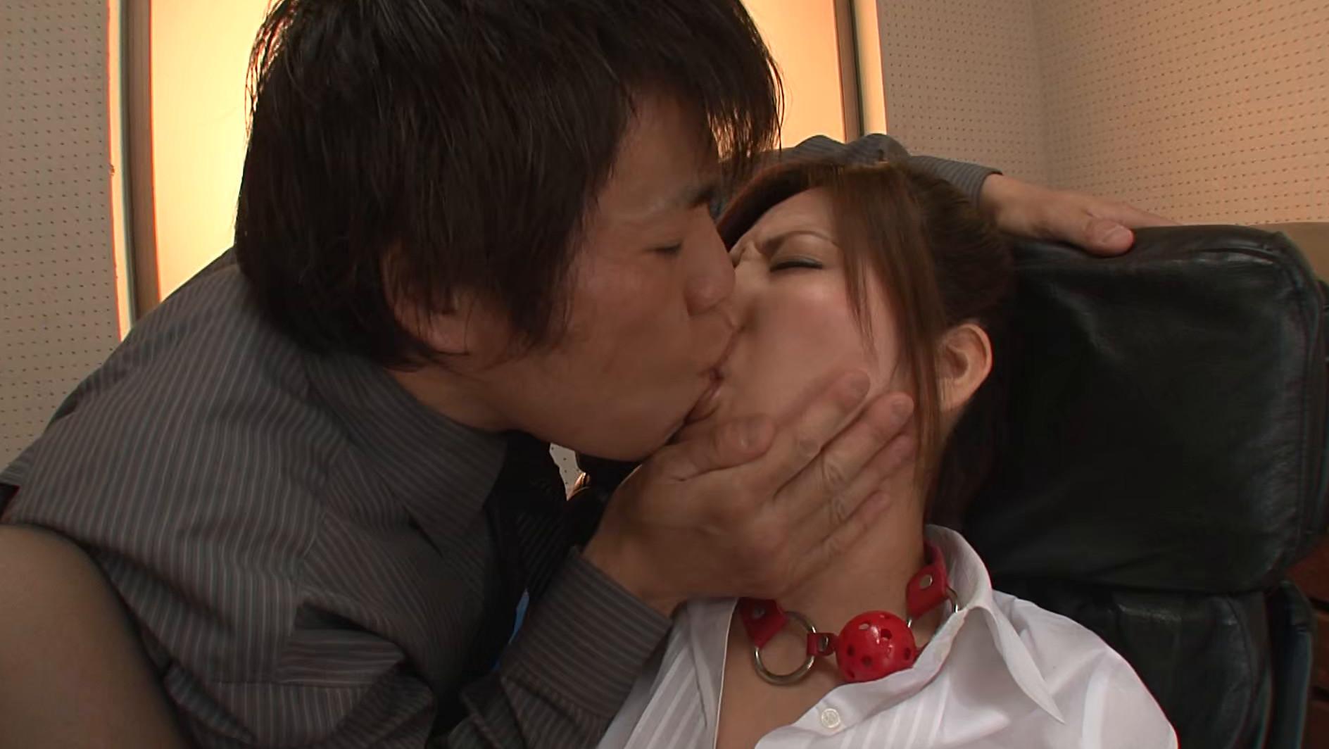 そんな弱っちい目で見ないでくださいよぉ・・・いつもは怖~い椎名先生(笑) 椎名ゆな 画像3