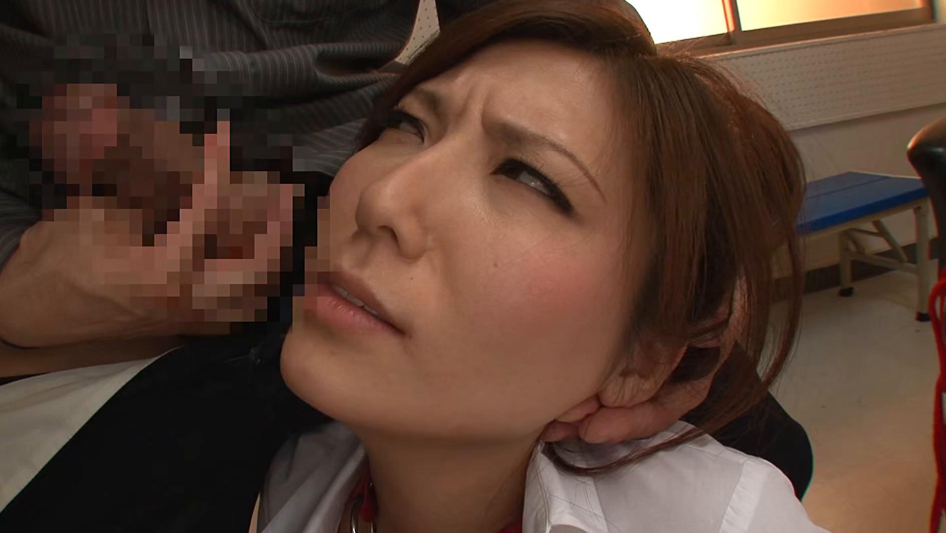 そんな弱っちい目で見ないでくださいよぉ・・・いつもは怖~い椎名先生(笑) 椎名ゆな 画像12