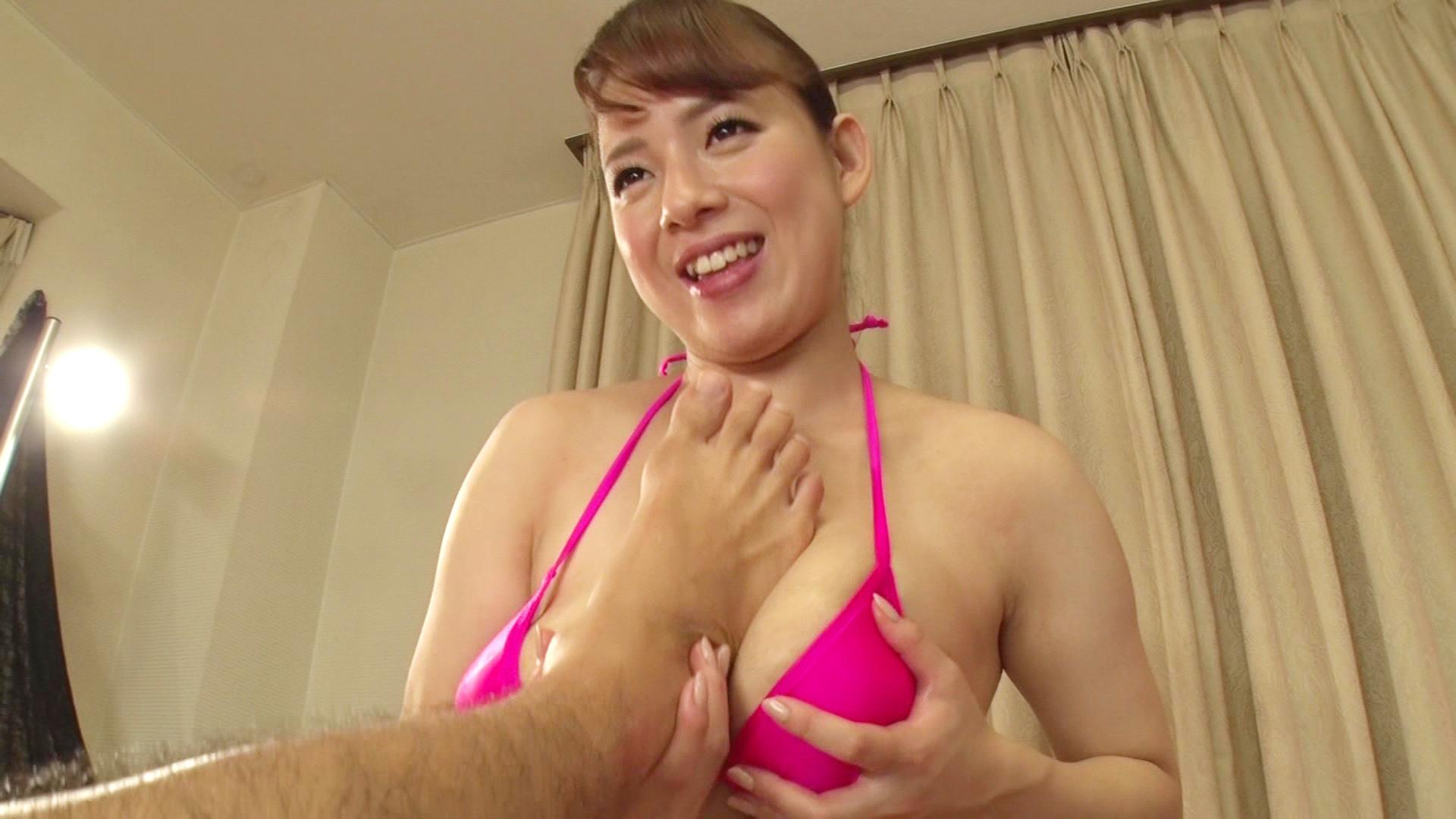 サロンの巨乳お姉さんのエッチなサービス施術にチ●ポ大満足ですぅ!!