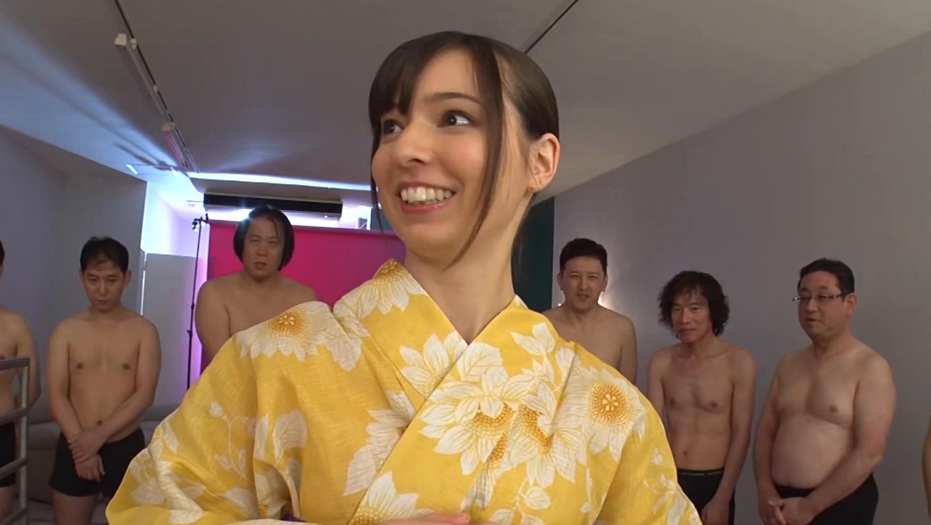 浴衣姿のハーフ美女の顔に大量ザーメンでパックしてやりましたぁ~!!