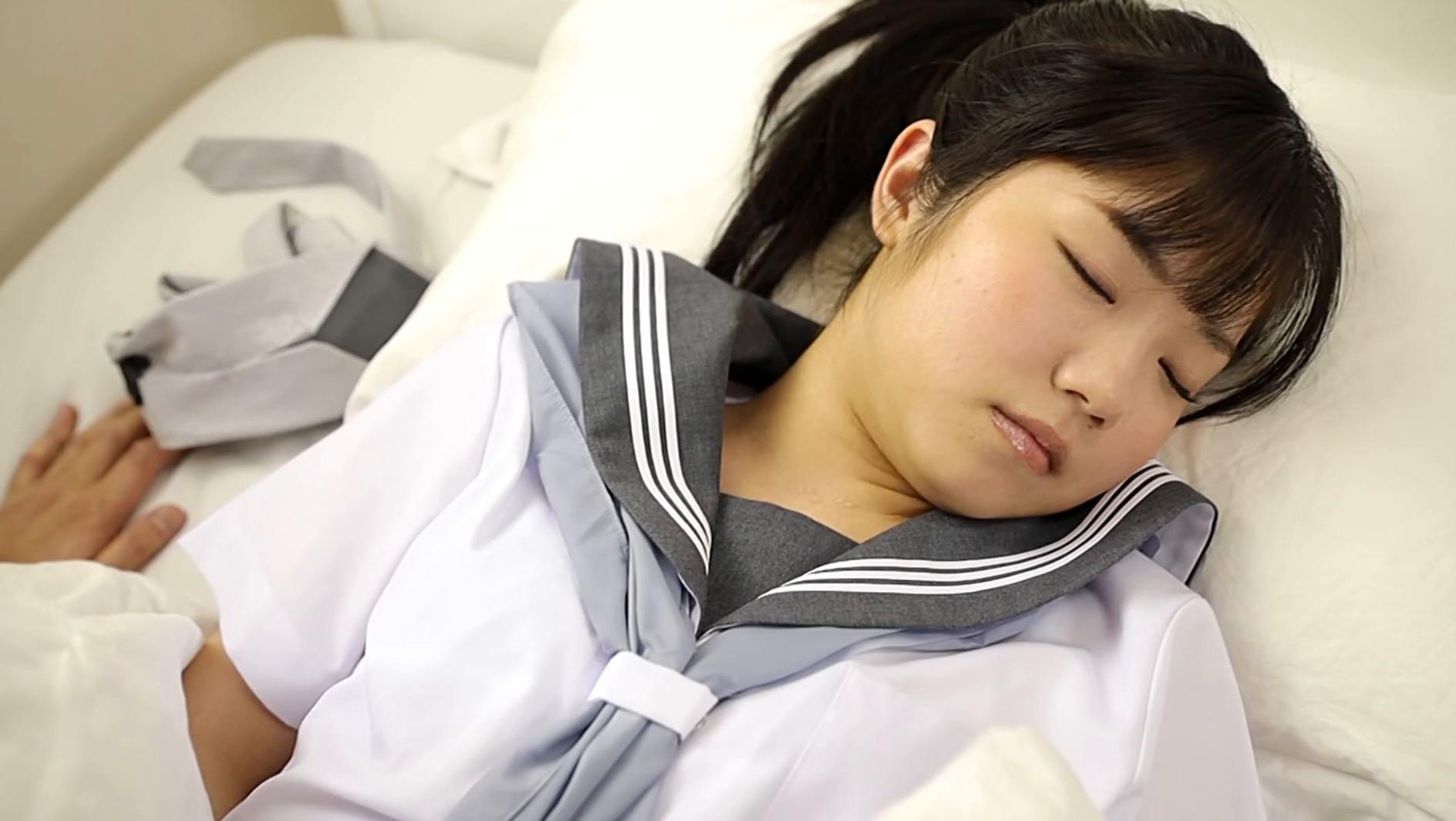 保健室で寝ている君を僕は穢すことしか出来ませんでした・・・。