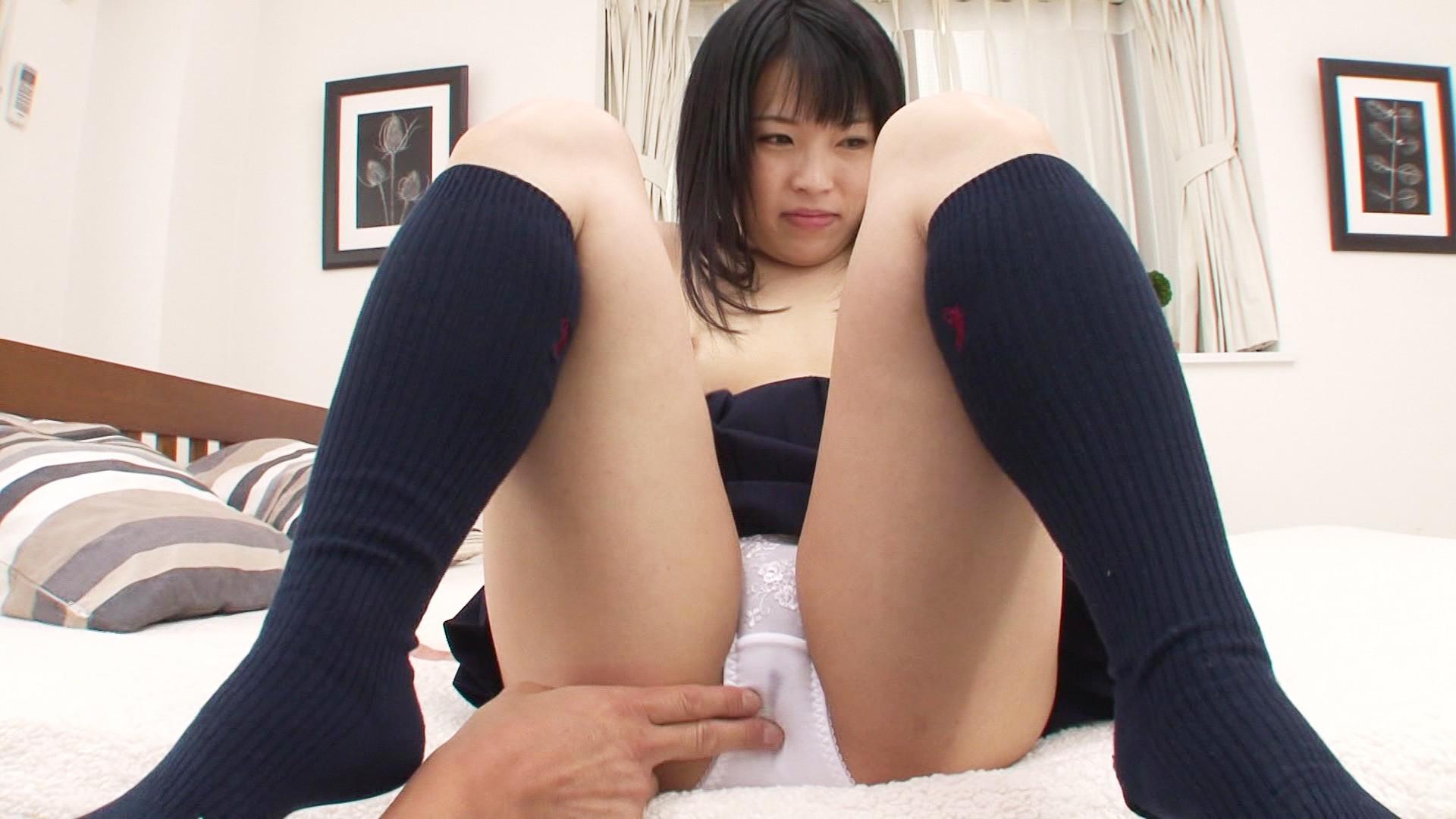 美少女がアナルパールやディルドでお尻の穴を開発されると、生チ●ポで肛門ヴァージンを喪失する