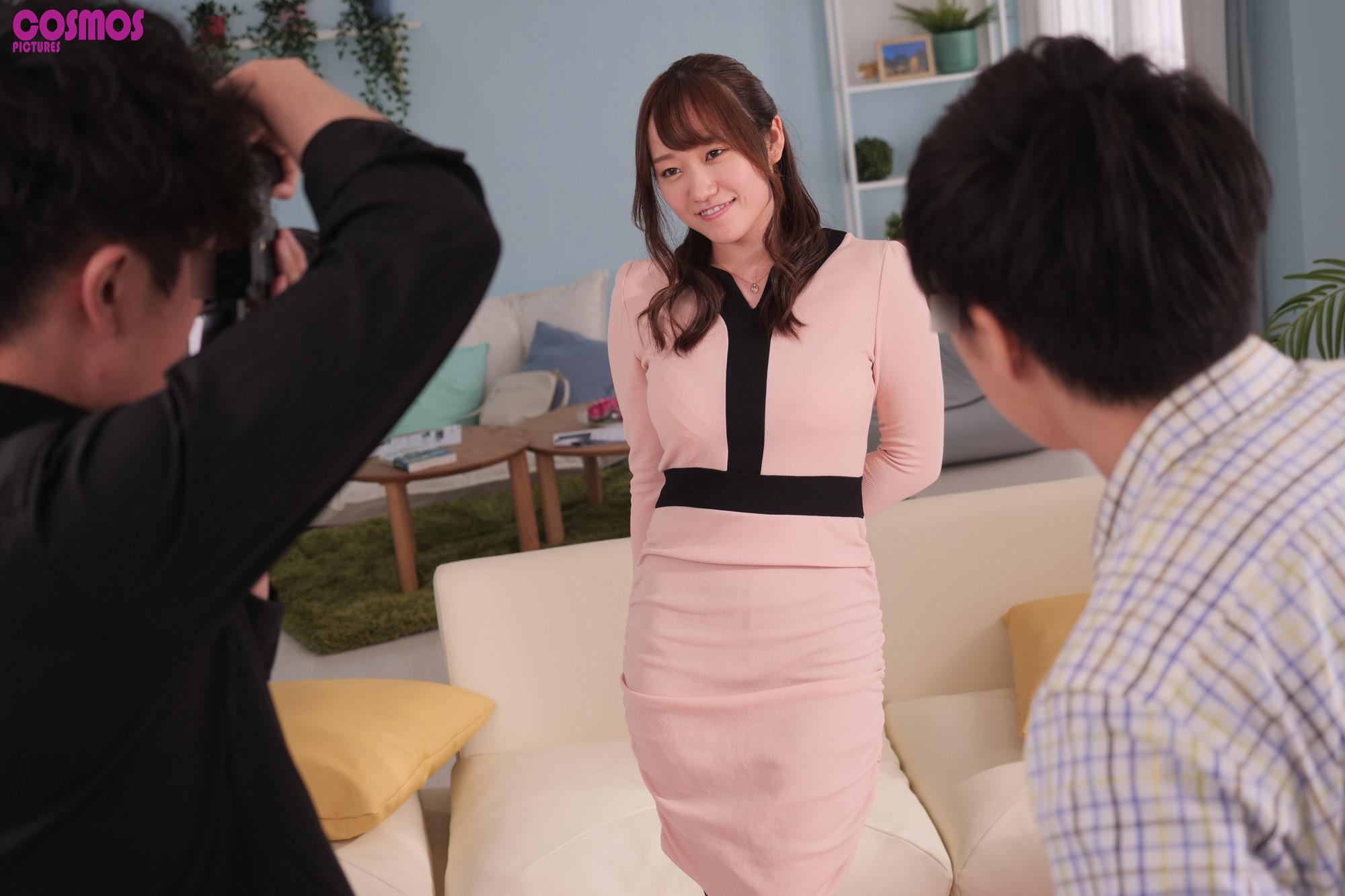 寝取らせ検証『妻を綺麗に撮りたい』プライベートカメラレッスンでマイクロビキニを着せた巨乳妻と講師を2人きりにしたら・・・SEXしてしまうのか?