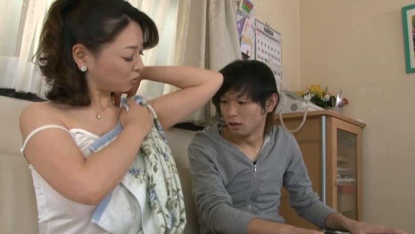 中出し近親相姦 息子の精子入れちゃいました。 中園貴代美 35歳 画像2
