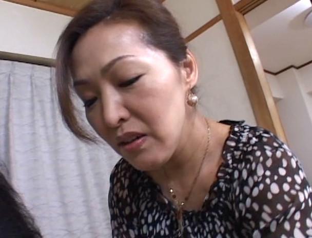 中出し近親相姦 母子熱愛 宮田かおる 画像1