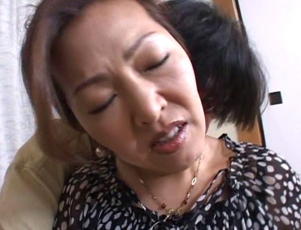 中出し近親相姦 母子熱愛 宮田かおる 画像12