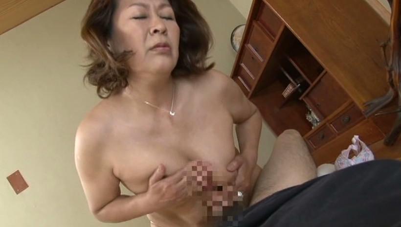 中出し近親相姦 息子を慰める母の愛情 福田信子 画像8