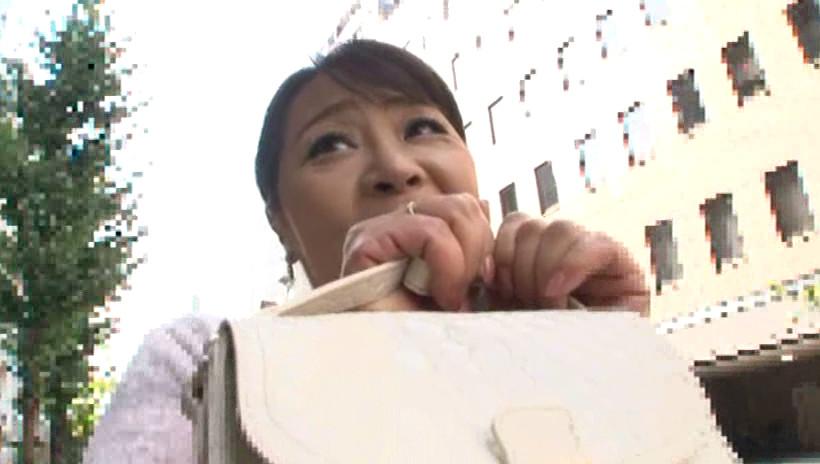 初撮り五十路妻ドキュメント 野村憲子 五十歳 画像1