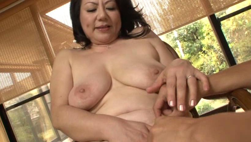 初撮り五十路妻ドキュメント 富岡亜澄 五十五歳 画像11