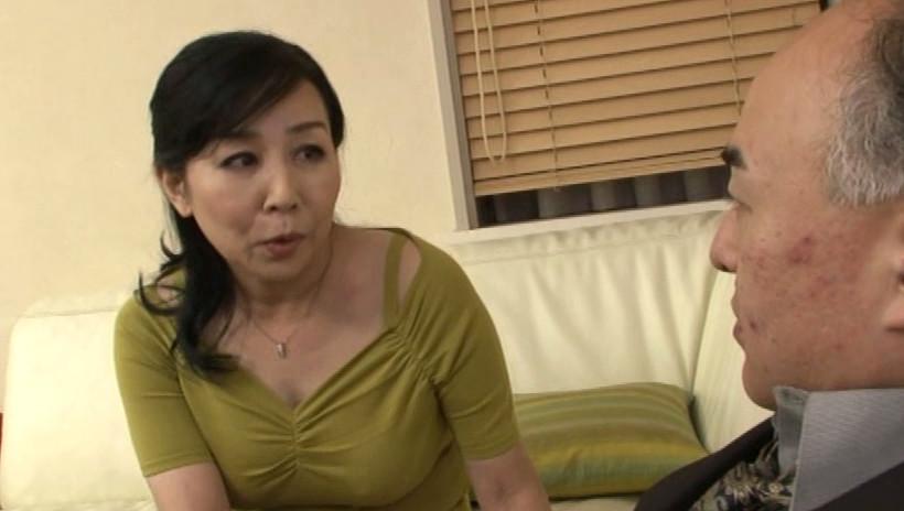 近親相姦 五十路母の背中 三井彩乃 五十四歳 画像1