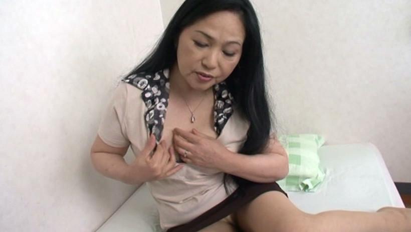 近親相姦 息子を犯す五十路の痴女母 吉田涼子 五十四歳 画像3