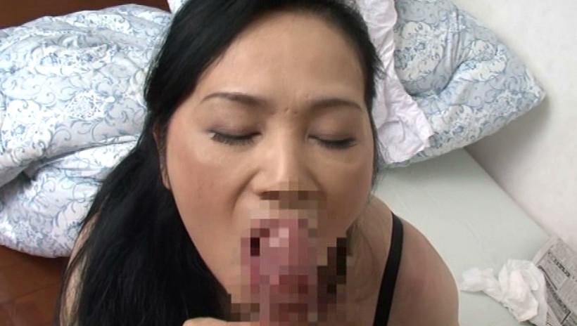 近親相姦 息子を犯す五十路の痴女母 吉田涼子 五十四歳 画像12