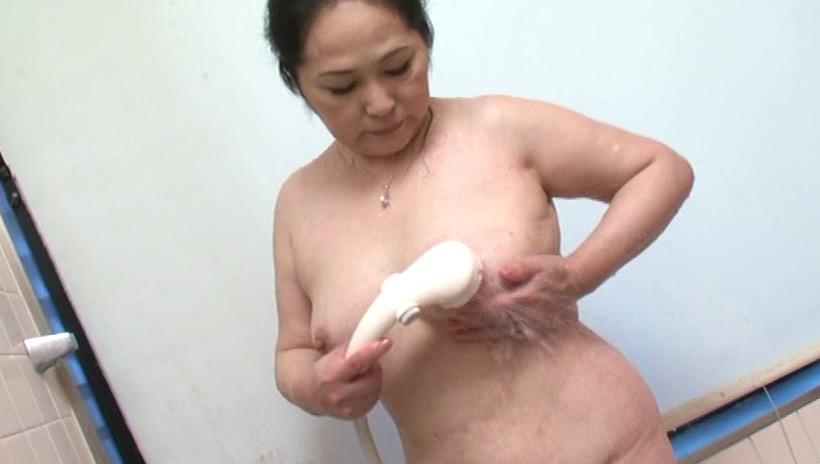 近親相姦 息子を犯す五十路の痴女母 吉田涼子 五十四歳 画像20