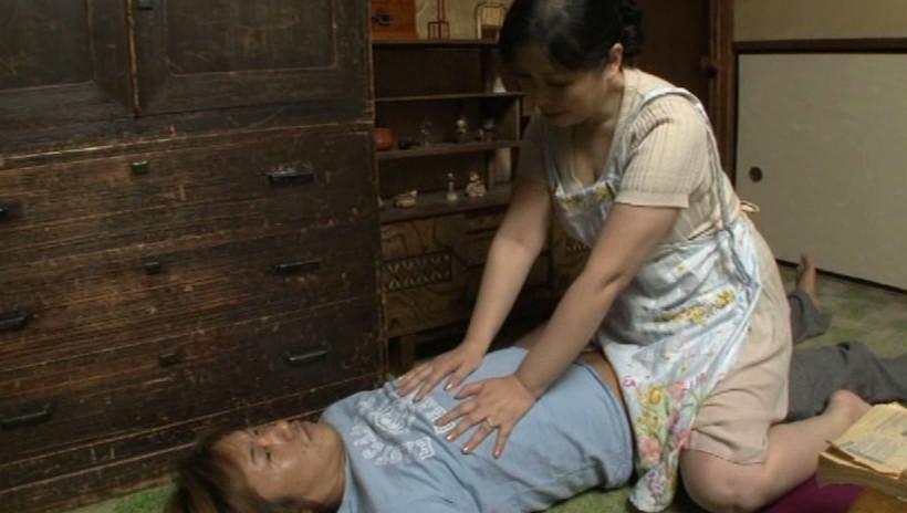肝っ玉かあさん騎乗位ハメ狂い 岡田京子 四十五歳 画像4