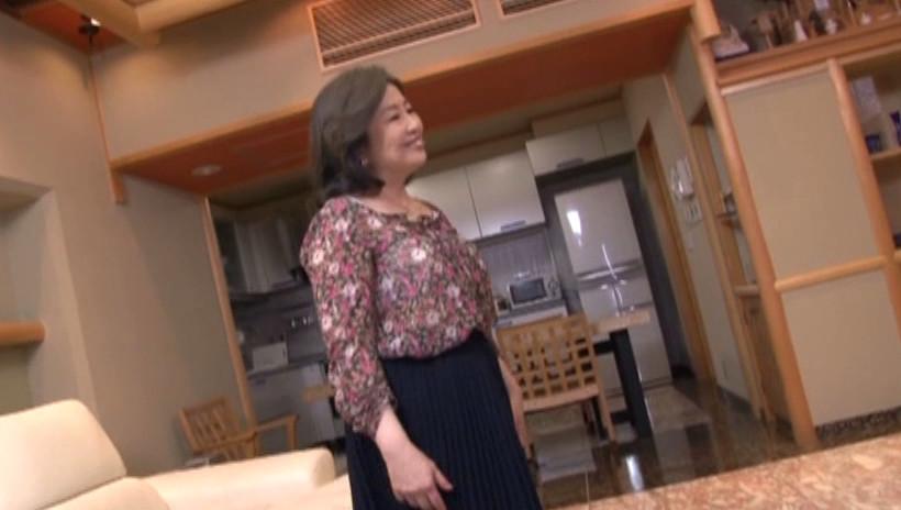 中出し近親相姦 母子熱愛 峰岸洋子 画像13