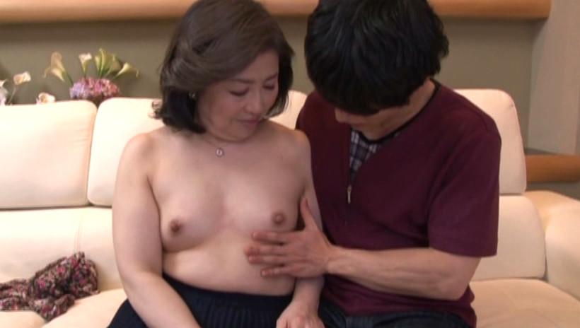 中出し近親相姦 母子熱愛 峰岸洋子 画像18