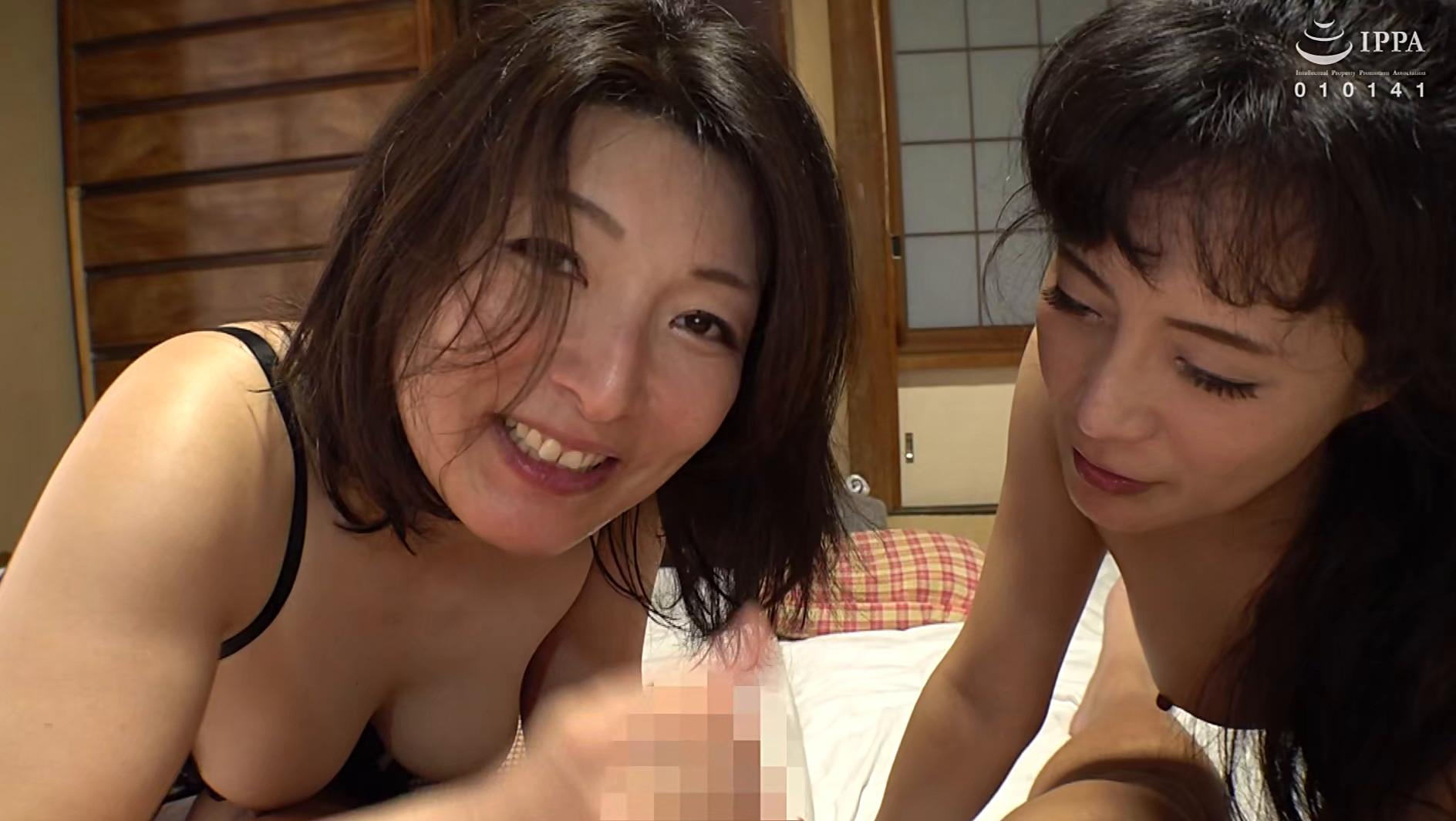 近親交姦 愛する息子をスワッピングして楽しむ2人の痴母,のサンプル画像30