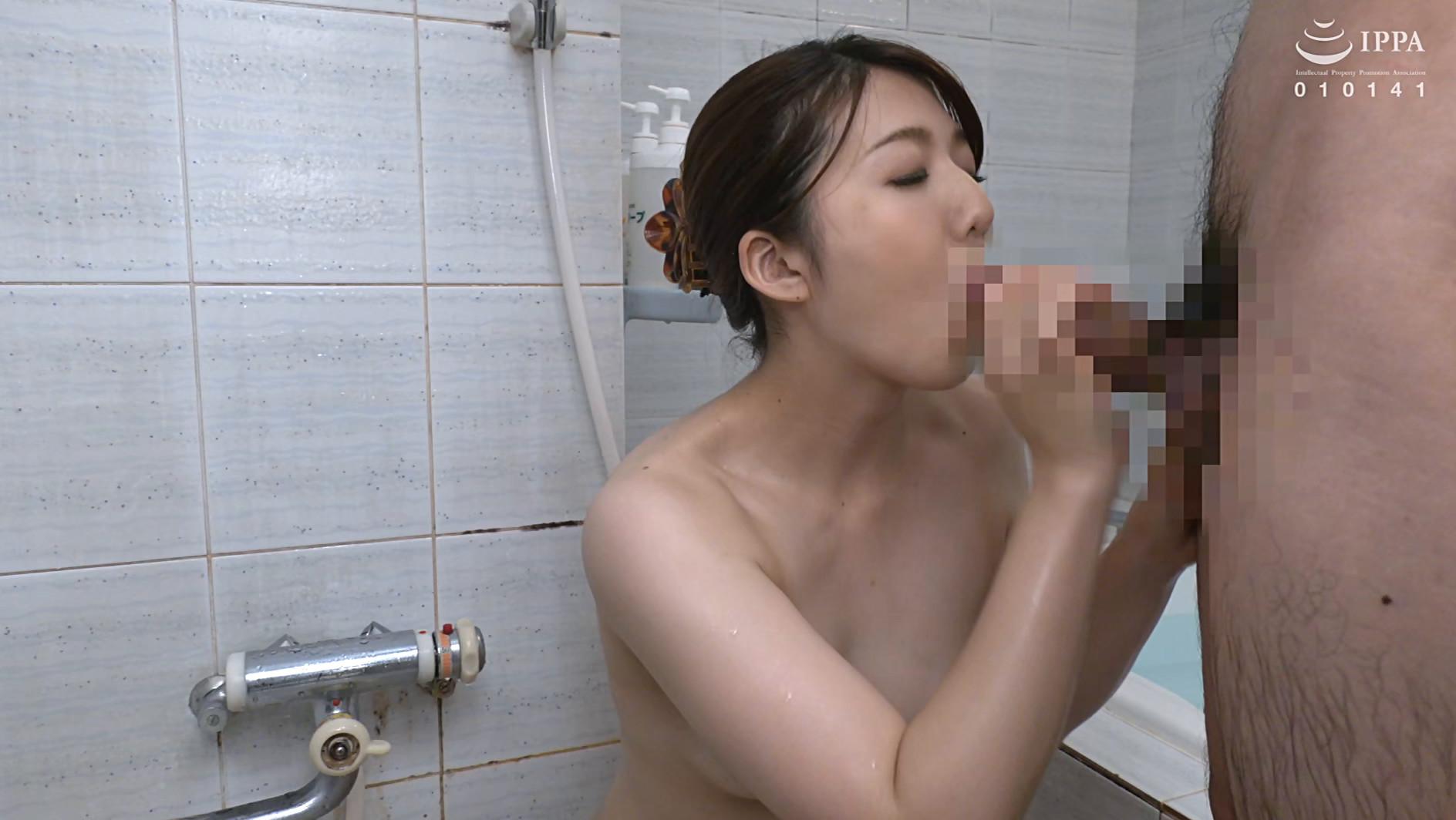 彼女の母親がエロ下着と中出しで彼氏を誘惑しはじめた 永野あかり 三十一歳 画像20