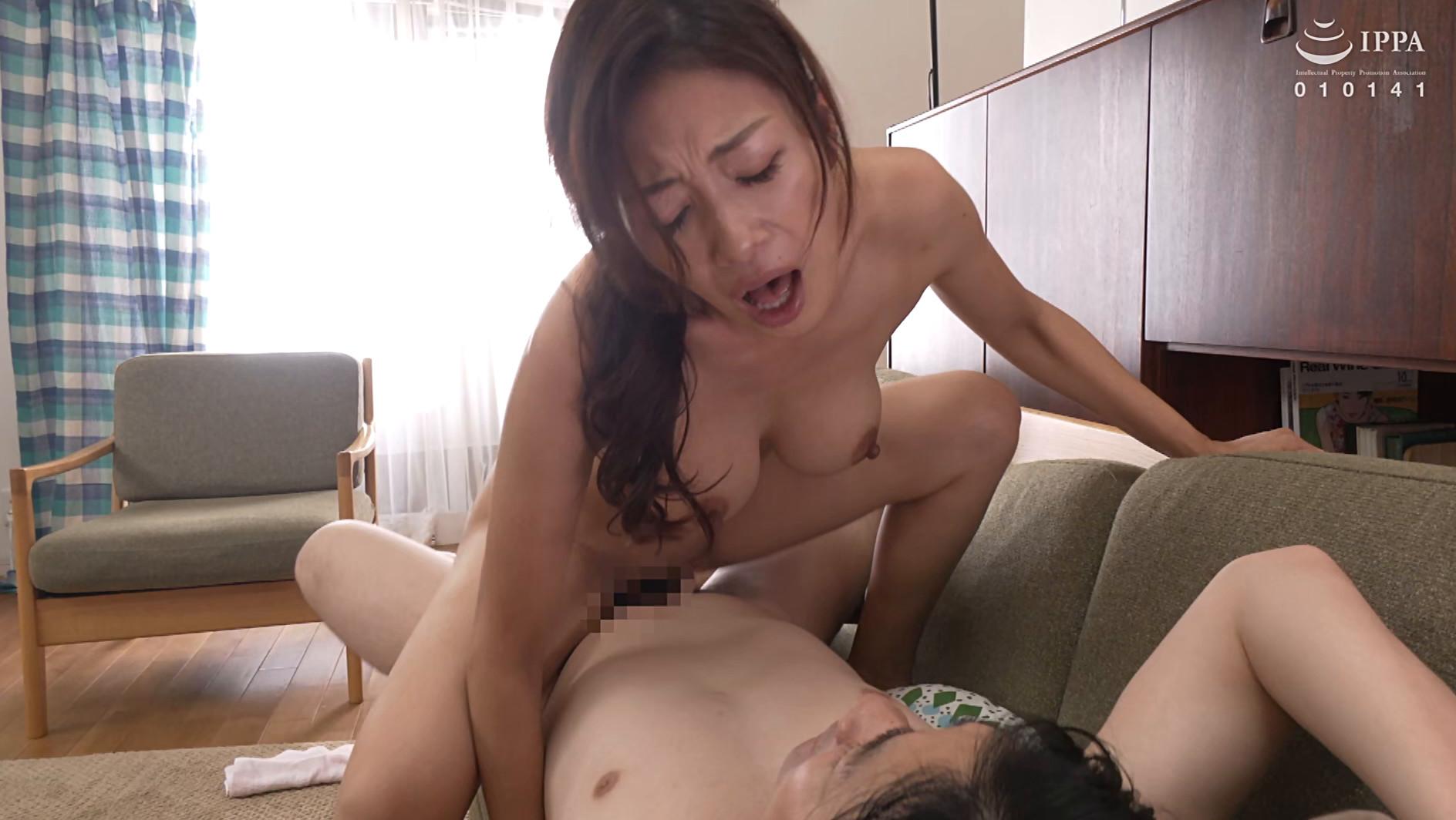 偶然見てしまったおばさんの裸体が目に焼き付いて・・・あの日からおばさんが服を着ていても全裸に見えてしまう僕 小早川怜子 画像14